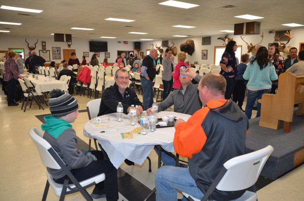 image-792089-chili_cookoff_judges.w640.JPG